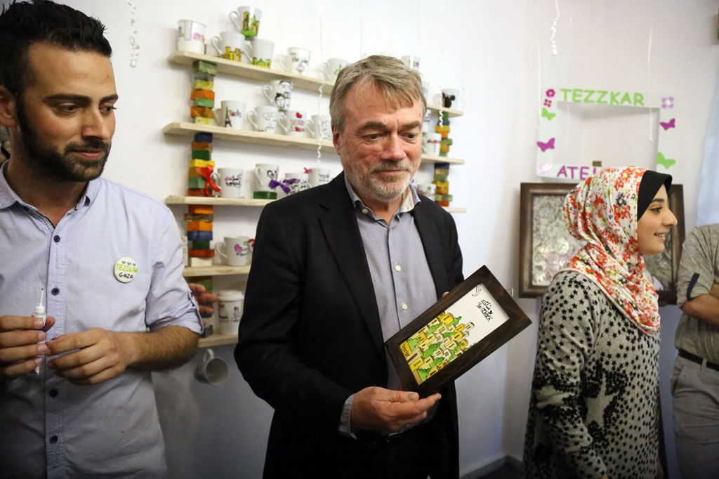 The Director of UNRWA Operations in Gaza, Bo Schack, visits the opening of 'Tezzkar Atelier' in Gaza City on 16 March. © 2016 UNRWA Photo by Tamer Hamam
