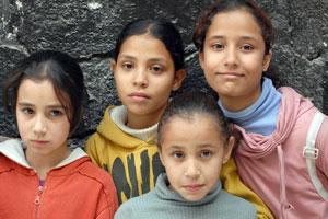 Girls in Qabr Essit camp, Syria
