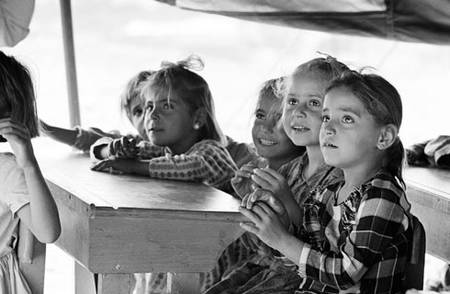 Education in emergencies in tents, Jordan. Undated. © UNRWA Archive, Photographer Unknown