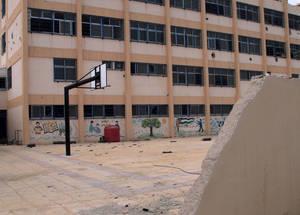 إن مدارس الأونروا الأربع في الحسينية ستكون بحاجة إلى عمليات إعادة تأهيل كبيرة. الحقوق محفوظة للأونروا 2015. تصوير تغريد محمد.