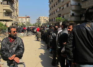 The three missions to Yalda have provided humanitarian assistance to over 1,000 individuals affected by the crisis in Yarmouk. © 2015 UNRWA Photo