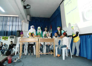 Students explored the concepts of good nutrition and a healthy lifestyle, through interactive presentations and a competition. UNRWA Damascus Training Centre, April 2015. © 2015 UNRWA Photo