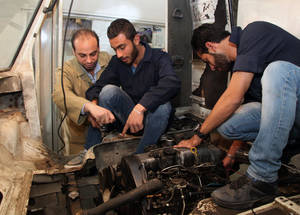 The EU-funded Engaging Youth project run by UNRWA provides Palestine refugee youth with practical skills to increase their employability in Syria's changing employment market. © 2015 UNRWA Photo by Taghrid Mohammad