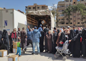 Access to food remains restricted in the Yarmouk area, with residents relying on the few available commodities at inflated prices. Yalda, Damascus. © 2016 UNRWA Photo