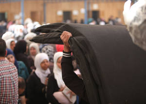 In 2016, UNRWA requires US$ 329 million to cover the minimum needs of the 450,000 Palestine refugees in Syria. Alliance distribution centre, Damascus. © 2016 UNRWA Photo by Taghrid Mohammad