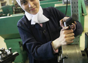 Short-term courses help empower female students to reach their full potential and find jobs, despite the ongoing conflict in Syria. Of the 5,260 trainees enrolled in these courses, 57 per cent or 2,992 were young women. Damascus Training Centre, Syria. © 2016 UNRWA Photo by Taghrid Mohammad