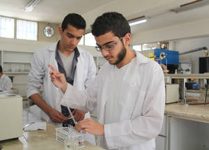 Engaging Youth is also designed to improve young persons' employability. In January 2016, UNRWA conducted a survey to assess labour market needs. UNRWA used the findings to ensure that the diverse range of courses will provide students with relevant practical skills for the changing job market. Damascus Training Centre, Syria. © 2016 UNRWA Photo by Taghrid Mohammad