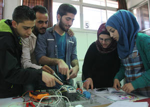 UNRWA remains one of the only providers of vocational training and career guidance in Syria. In April 2016, a total of 2,979 students graduated from the short-term courses. Despite a lack of opportunities as a result of the ongoing conflict, 513 graduates were still able to find employment after the programme.Damascus Training Centre, Syria. © 2016 UNRWA Photo by Taghrid Mohammad