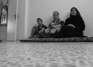 إياد موعد وعائلته هم لاجئين فلسطينيين من سورية كانوا قد نزحوا إلى مخيم نهر البارد في لبنان في بداية عام 2013. الحقوق محفوظة للأونروا، 2016. تصوير ميسون مصطفى.