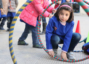 UNRWA believes that children's success in school is also dependent on their well-being. The safe learning spaces are comprised of playgrounds where children are supervised by teachers and psychosocial counsellors. They are encouraged to play and engage in artistic and creative activities and workshops. Palestine Girls School, Alliance, Damascus, Syria, February 2016 © 2016 UNRWA Photo by Taghrid Mohammad