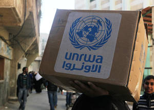 Palestine refugees in Syria receive food parcels every four months. When combined with the UNRWA cash assistance programme, it helps them meet their minimum nutritional needs.  Khan Dunoun, Syria © 2016 UNRWA Photo by Taghrid Mohammad