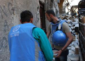 الأونروا تستأنف توزيع المعونات في اليرموك بعد 15 يوما