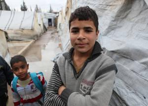 يوصف الشباب في سورية على أنهم جيل منسي، فالفقر الذي سببته الحرب يعني بأن العديد منهم اضطر  الى ترك المدرسة لكسب ما يكفي من الدخل للمساعدة في إعالة أسرهم. خان دنون، سورية. الحقوق محفوظة للأونروا 2016، تصوير تغريد محمد