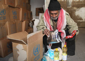 Since the start of 2017, UNRWA has launched two rounds of food assistance. Food parcels are designed to meet approximately one-third of the daily caloric needs of each member of the household. Alliance distribution centre, Damascus, Syria © 2017 UNRWA Photo by Taghrid Mohammad