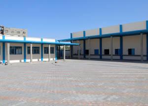 قدمت الولايات المتحدة المساعدة لبناء مركز التوزيع في رفح جنوب قطاع غزة والذي سيبدأ عملياته بنهاية آب 2017 وسيقدم الخدمات لما مجموعه 85,000 لاجئ من فلسطين في غزة. كما مولت الولايات المتحدة أيضا إعادة إعمار مركز توزيع آخر في منطقة جباليا شمال غزة يقدم خدماته لحوالي 125,000 لاجئ. الحقوق محفوظة للأونروا 2017، تصوير خليل عدوان