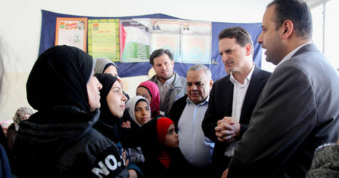 On 12 April, in coordination with the Office of the UN Secretary-General, UNRWA Commissioner-General Pierre Krähenbühl visited civilians who fled Yarmouk last week, as aresult of the escalation of violence within the area. ©2015 UNRWA Photo by Taghrid Mohammad
