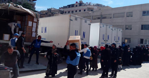 UNRWA provided a total of 1,200 family food parcels from a distribution point in Yalda for the fifth consecutive day, serving civilians coming from Yalda, Babila, Beit Saham and Yarmouk, Yalda, 16 February 2016. © 2016 UNRWA Photo