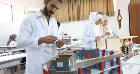 Vocational education enhances the employability of Palestine refugees in Syria by equipping them with technical skills and assisting them to find jobs. UNRWA offers 31 types of short and long courses in subjects ranging from interior design to welding. © 2017 UNRWA Photo by Taghrid Mohammad