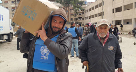 UNRWA food distribution in Yalda, 15 March 2016. © 2016 UNRWA Photo