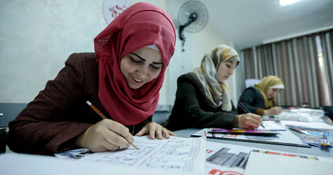 28-year-old Mokaram Al-Hegi (left) during the comic drawing training in Gaza city. © 2017 UNRWA Photo by Rushdi Al-Sarajj