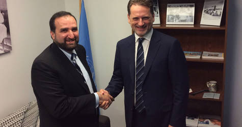 UNRWA Commissioner-General Pierre Krähenbühl (right) met with IR USA CEO Anwar Khan (left) in May 2017 to strengthen ties and acknowledge the continued support of IR USA for Palestine refugees. © 2017 UNRWA Photo