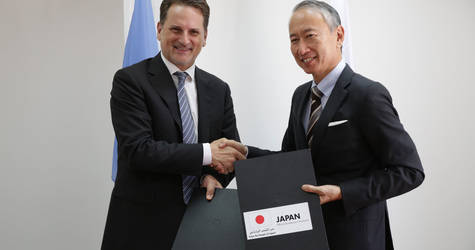 UNRWA Commissioner-General Pierre Krähenbühl (left) and  Ambassador for Palestinian Affairs and Representative of Japan to Palestine, Takeshi Okubo (right),  sign an agreement for food aid to UNRWA totalling JPY 600 million. © 2018 UNRWA Photo by Marwan Baghdadi
