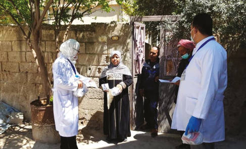 Door-to-door distribution of medicines in Khan Eshieh camp © 2020 UNRWA photo