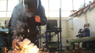 The UNRWA technical and vocational education and training programme empowers Palestine refugee youth by providing the skills and knowledge they need for the labour market, Damascus Training Centre ©2020 UNRWA photo.