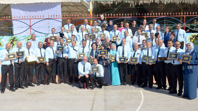 A group photo of the UNRWA staff who participated in the Leadership Initiative Programme holding their certificates at the graduation ceremony. © 2016 UNRWA Photo