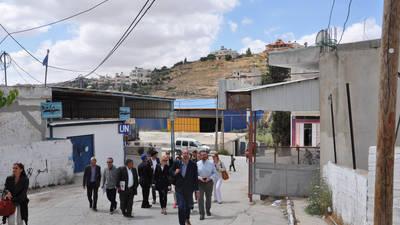 """قام أعضاء اللجنة الاستشارية لوكالة غوث وتشغيل اللاجئين الفلسطينيين """"الأونروا""""، بجولة ميدانية لعدد من مخيمات اللاجئين ومرافق الوكالة في الضفة الغربية."""