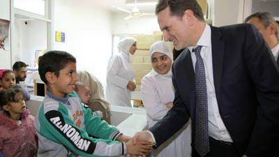 السيد بييركرينبول المفوض العام للأونروا يزور المركز الصحي الذي تديره الأونروا في مخيم خان الشيح في ريف دمشق، سورية. الحقوق محفوظة للأونروا 2017، تصوير تغريد محمد