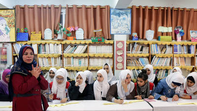 Group activity with students about gender equality and non-discrimination implemented by Lauren Abdel Kareem, an UNRWA teacher at Beach Preparatory Girls School B. © 2017 UNRWA Photo by Tamer Hamam