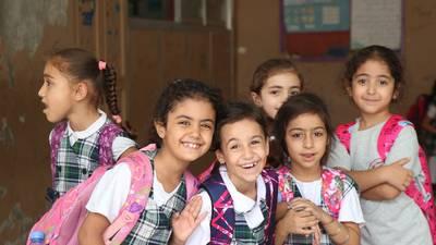 مجموعة من الطالبات في مدرسة رفيديا للبنات ، لبنان © صور الاونروا 2018, تصويراحمد محود