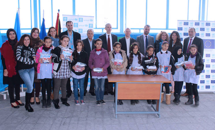 EU, UNICEF and UNRWA: Back-to-school kits for Palestine refugee students from Syria and Palestine refugee students in Lebanon
