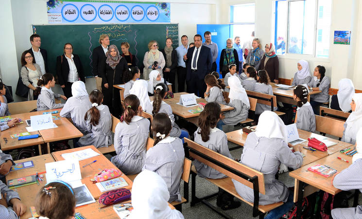 "During their visit to the Gaza Strip on 18 and 19 November, the delegation of the UNRWA Advisory Commission also visited the UNRWA Zeitoun Preparatory Girls ""B"" School in Gaza city where they engaged with students to learn about their hopes and dreams, and the challenges they face in their everyday life in Gaza. ©2015 UNRWA Photo by Khalil Adwan"