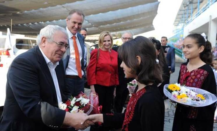 UNRWA Welcomes Irish Minister to Gaza