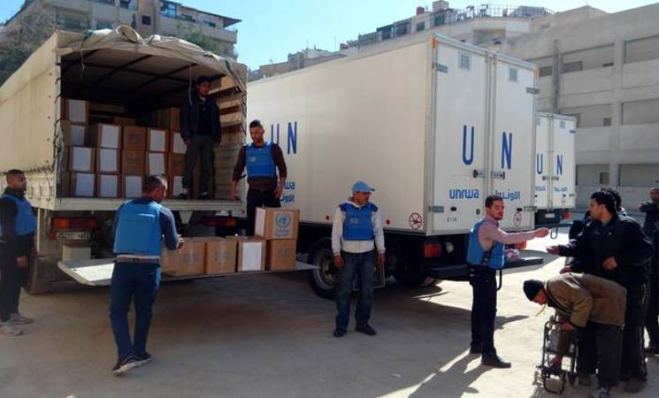 UNRWA carries out a third day of food parcel distributions. Yalda, 15 February 2016. © 2016 UNRWA Photo