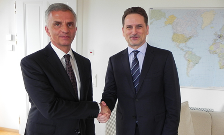 Didier Burkhalter, head of the FDFA, and UNRWA Commissioner-General Pierre Krähenbühl © Photo Courtesy of FDFA