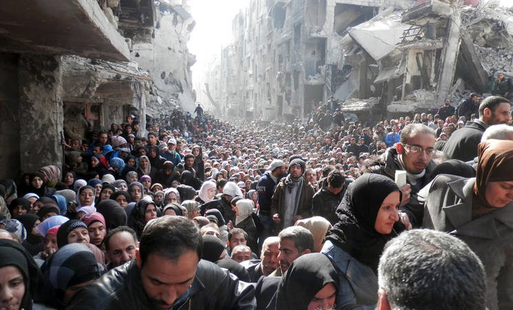بعد زيارته مخيم اليرموك هذا اليوم: المفوض العام للأونروا يؤكد بحزم على ضرورة وصول المساعدات الإنسانية بلا عوائق