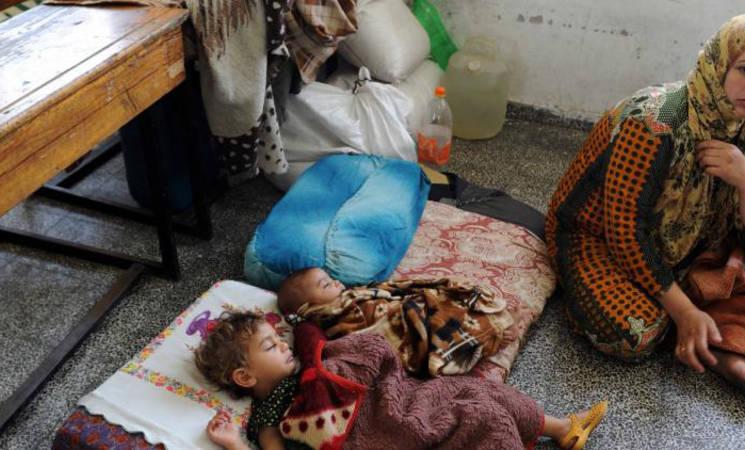 عدد الفلسطينيين الذين يبحثون عن الملاجئ يتعدى 50,000