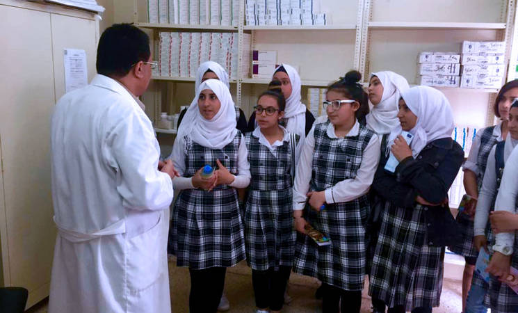 Palestine refugee students visit recently rehabilitated health centres in Lebanon. © 2017 UNRWA Photo
