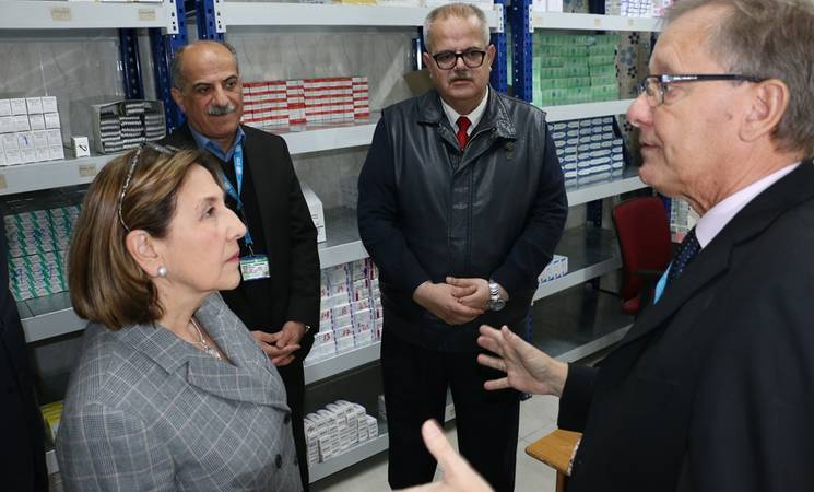 Director of UNRWA Operations in Jordan, Roger Davies welcomes Spanish Ambassador to Jordan, Her Excellency Aránzazu Bañón Dávalos to an UNRWA health centre. © 2018 UNRWA Photo by Dania Al Batayneh