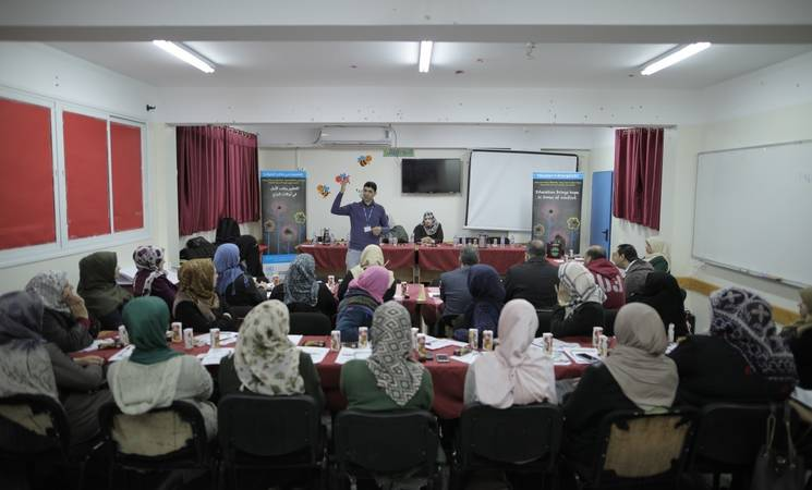 A parents' awareness raising session in UNRWA Mamounia Elementary Co-ed School in Gaza, as part of an Education in Emergencies project funded by Belgium. © 2018 UNRWA Photo by Hussein Jaber