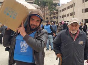 UNRWA food distribution in Yalda, 15 March 2016. © 2016 UNRWA Photo