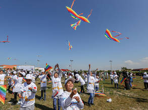 Children fly kites during an event organized by UNRWA to mark the anniversary of the 11 March 2011 Japan earthquake and tsunami in Khan Younis in the southern Gaza Strip, 5 March 2017. © 2017 UNRWA Photo