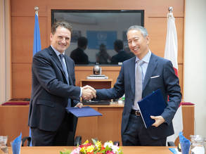UNRWA Commissioner-General Pierre Krähenbühl (left) and Japanese Ambassador for Palestinian Affairs and Representative of Japan to Palestine, Takeshi Okubo, after signing an agreement confirming a contribution of JPY 1.1 billion (approximately US$10.2 million) form the Government of Japan in support of UNRWA service to Palestine refugees. © 2017 UNRWA Photo by Marwan Baghdadi