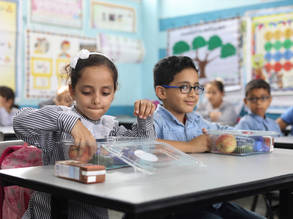 Students from UNRWA schools in Gaza receive their healthy meals from Qatar Charity  Photo credit: Ibrahim Abu Eisheh