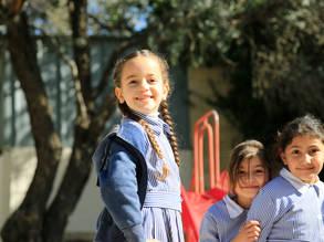 طلاب يدرسون في مدرسة القدس الأساسية للبنات. الحقوق محفوظة للأونروا ، 2019 ، تصوير مروان بغدادي
