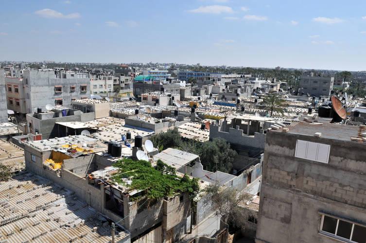 مخيم خان يونس ، قطاع غزة. الحقوق محفوظة للأونروا، 2016. تصوير تامر حمام