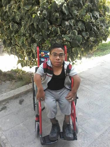 وجد معتصم صقر مكاناً لدراسة تكنولوجيا المعلومات في مركز تدريب دمشق بعد أن ساعدته باحثة اجتماعية في الأونروا على إكمال تعليمه. © 2018 الأونروا